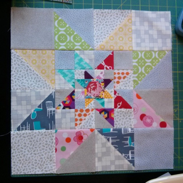 Triple Star Modern Bee Block