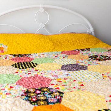 Fresh Market Pineapple quilt – hex-a-licious!